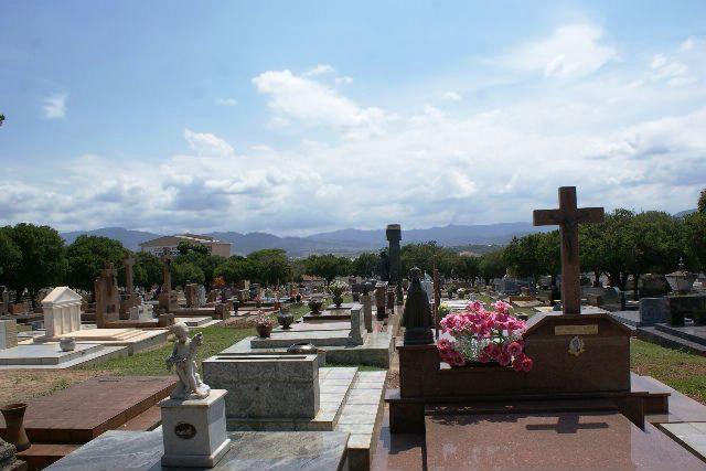 As obras mais famosas no cemitério foram esculpidas em mármore por Fernando Furlanetto