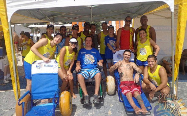 Projeto Praia para Todos inaugura rampa, no Rio