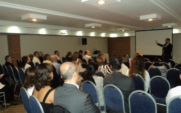 ABIH-RJ promove palestras sobre os impactos da crise brasileira no turismo