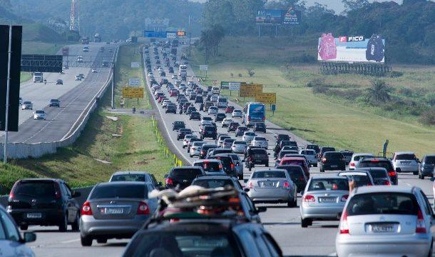 Feriado deve levar 2 milhões de veículos para as estradas paulistas