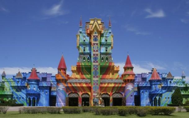 Parque de diversões brasileiro é o melhor da América do Sul