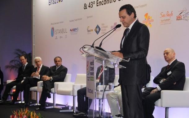 O setor de Turismo está em festa, por Henrique Alves