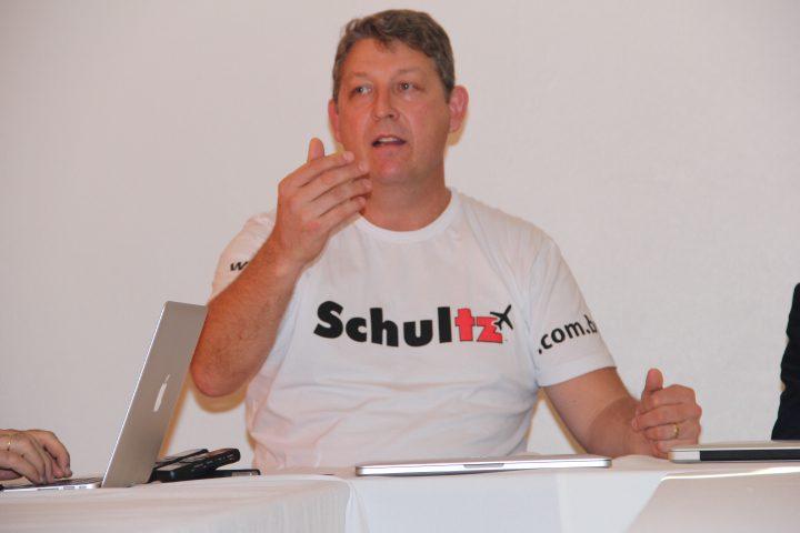 Aroldo Schultz contesta artigo de presidente da Abav e defende os agentes