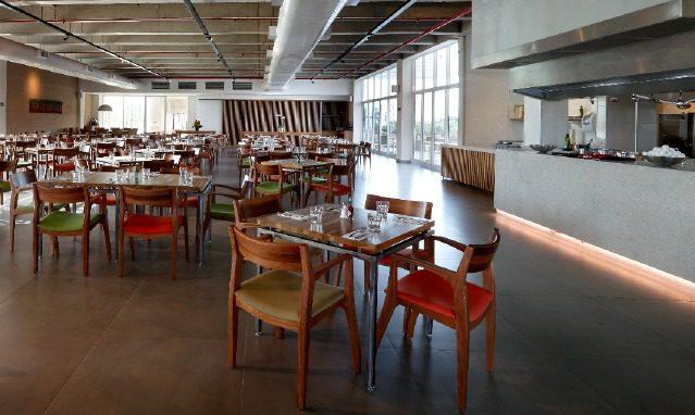 Vitorino Restaurante: nome e serviços próprios, operados por colaboradores contratados e treinados pelo hotel