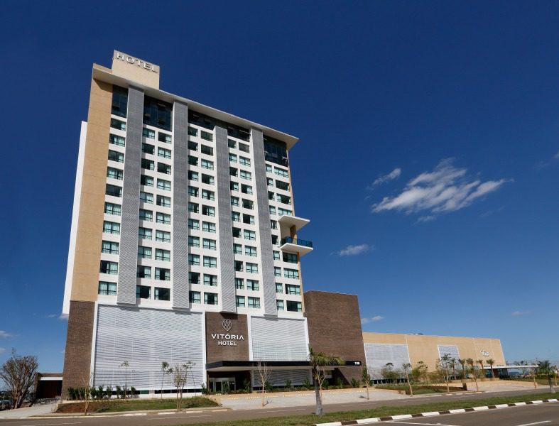 O hotel possui 172 apartamentos e está a 45 dias em regime soft opening (Foto: Amaury Simões)
