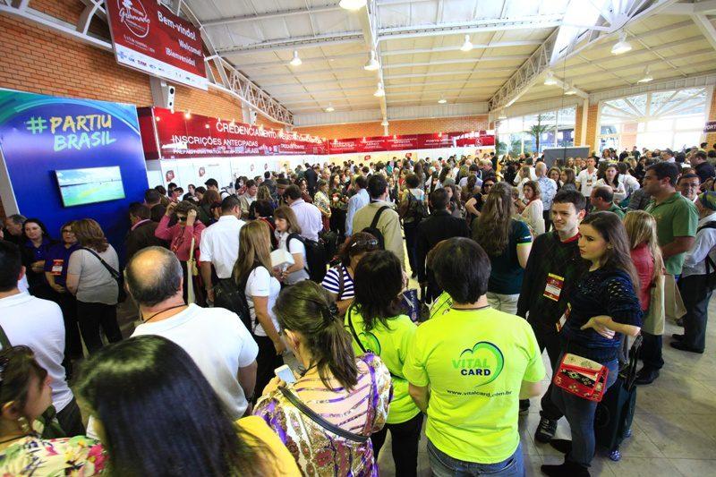 Ministério do Turismo participa da abertura do Festuris, em Gramado (RS)