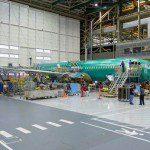 Boeing começa a montagem final do primeiro 737 MAX