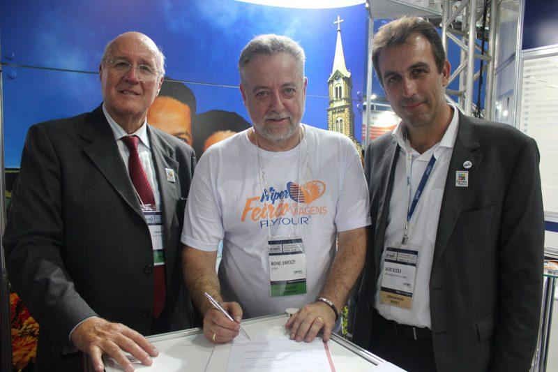 Flytour Viagens fecha parceria com Aprecesp