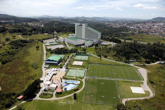 Bourbon Atibaia recebe a equipe de futebol do Palmeiras