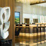 Hilton Barra terá apresentação de samba no bar do hotel