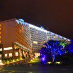 Rede Bourbon promove iluminação de fachadas e outras ações em apoio à campanha Novembro Azul