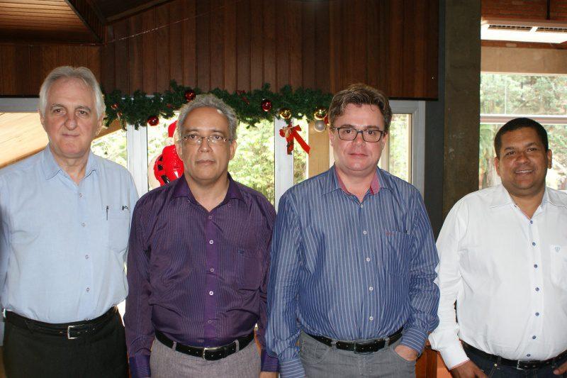 Aparecido Sparapani - superintendente grupo DiRoma; Marcos Faria - presidente CVB; Ivan Garcia Pires - secretário de turismo e Cosme Ferreira dos Anjos - secretário de finanças
