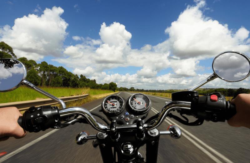Andando de moto quase pelada 2 10