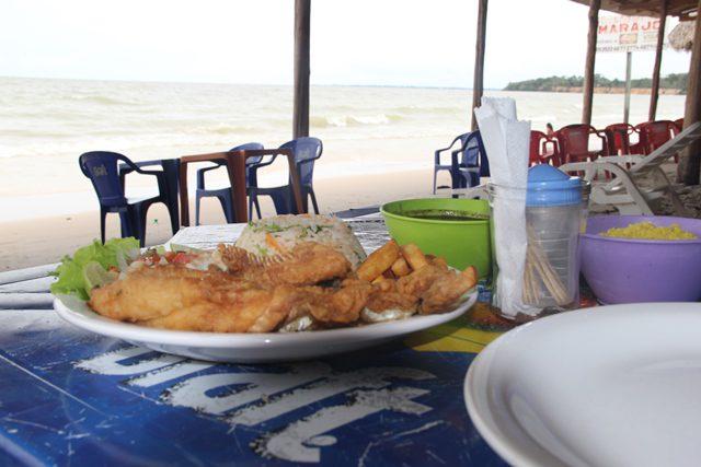Filé de dourada do restaurante do Jacaré, na praia do Vai quem Quer (Foto: DT)