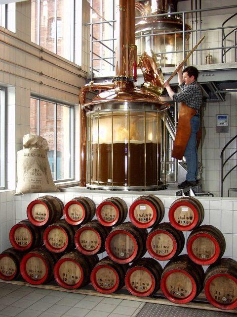 Lúpulo, malte, levedura e água – e nada mais. Há cerca de 500 anos, a lei alemã da pureza da cerveja regulamenta os ingredientes das cervejas alemãs