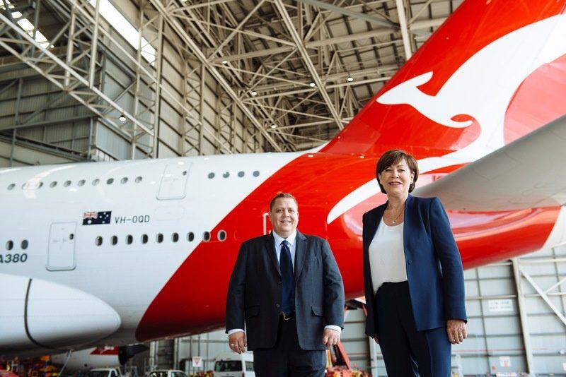 Qantas assina acordo de parceria com Vodafone