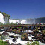 Tocha Olímpica passa pelas Cataratas do Iguaçu e Marco das Américas