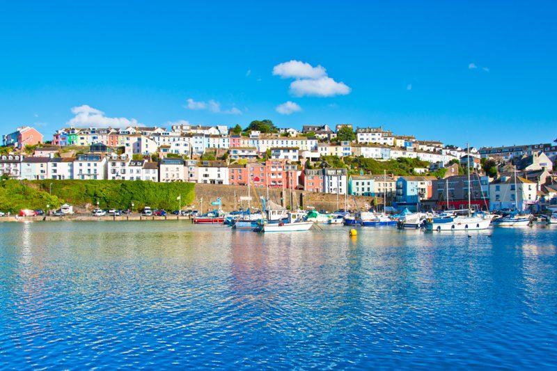 Riviera Inglesa é uma das joias da coroa britânica que está escondida no sudoeste do país