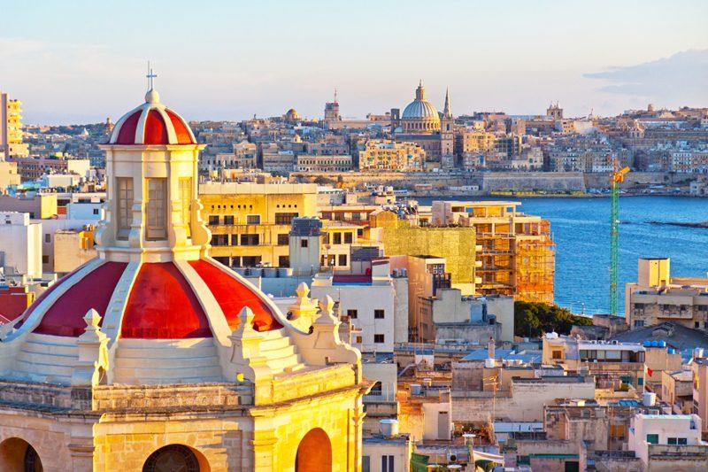 Para embarque em agosto, a CVC oferece um pacote de 2 semanas de curso de inglês na escola ACE Malta