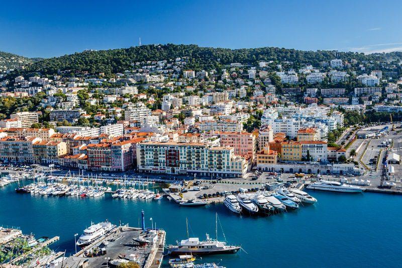 A operadora oferece um pacote de 2 semanas de francês na escola Sprachcaffe de Nice, na França
