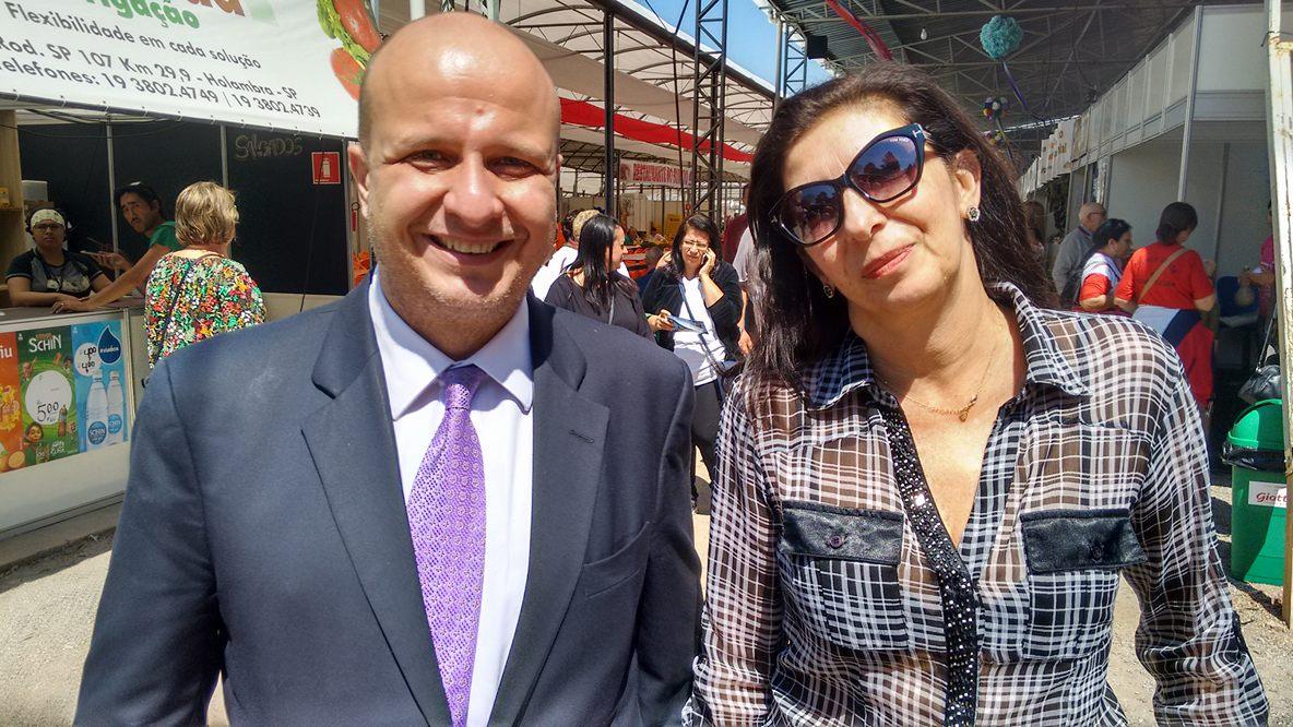 Laercio Benko, secretário estadual de turismo de São Paulo, e Mônica Rubia Fontes, diretora do Atibaia e Região CVB