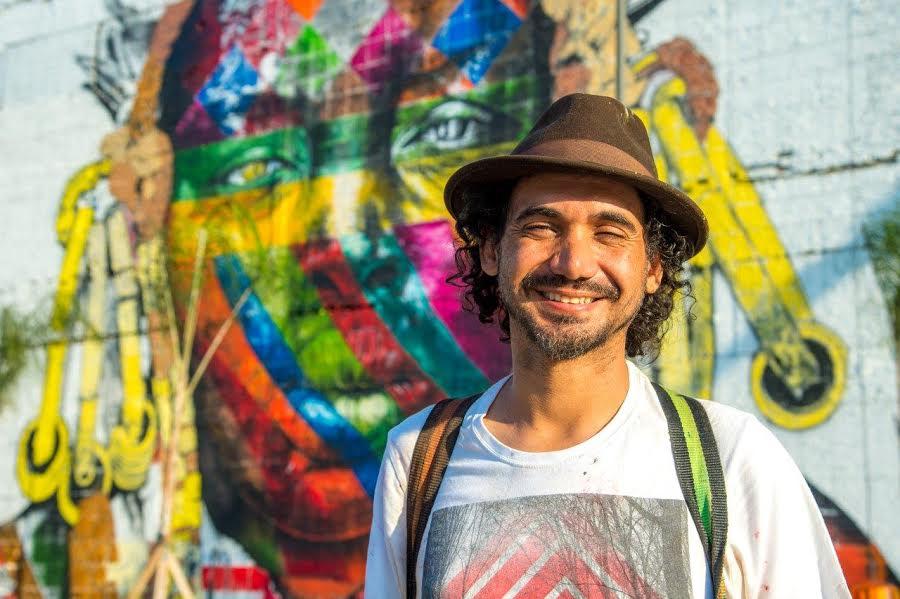 """Eduardo Kobra: """"pintar na rua é trabalhar com mensagens simples, como paz, união dos povos, etnias…"""
