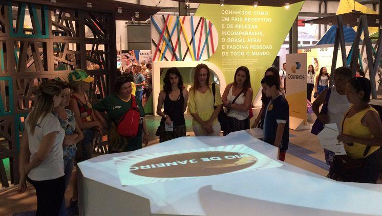 Casa Brasil recebe exposição sobre os principais momentos da Tocha Olímpica no Brasil