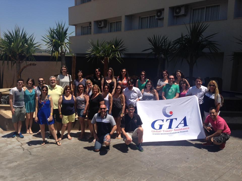 Parceria entre GTA, Visual Turismo e Celebration Resort Olímpia capacita 45 agentes