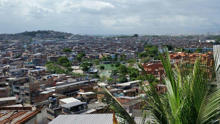 Parceria com RIOGaleão levanta recursos para novo parque infantil do Complexo da Maré