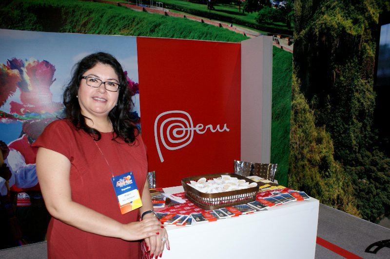 Milagros Ochoa é representante do Escritório Comercial do Peru no Brasil, que conta com um grande estande no evento