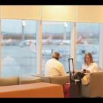 Vídeo mostra reação de clientes ao chegar na nova Sala VIP da GOL, no Rio