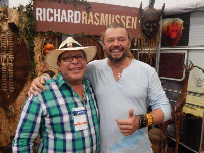 Abelino Lazo com o apresentador Richard Rasmussen durante a Adventures Sport Fair 2016 (Foto: acervo pessoal)