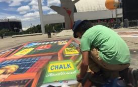 Adagio Alphaville promove aula de grafite às crianças com Eduardo Kobra