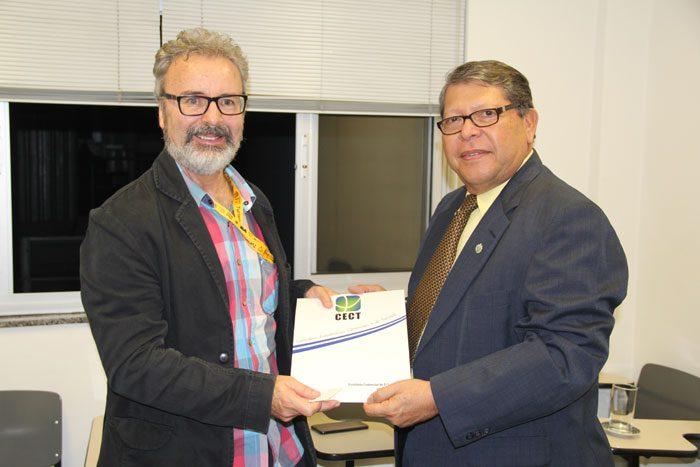 DIÁRIO recebeu visita de Abelino Lazo, conselheiro comercial de El Salvador no Brasil