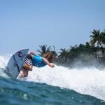 Surf na Martinica atrai turistas estrangeiros