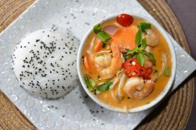 O Thaitai Brasil, especialista em culinária tailandesa, traz o prato 'Green Curry' (Foto: divulgação)
