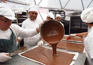 Chefs  já preparam itens com chocolate para a Semana Santa em Bariloche, Argentina (Foto: divulgação)