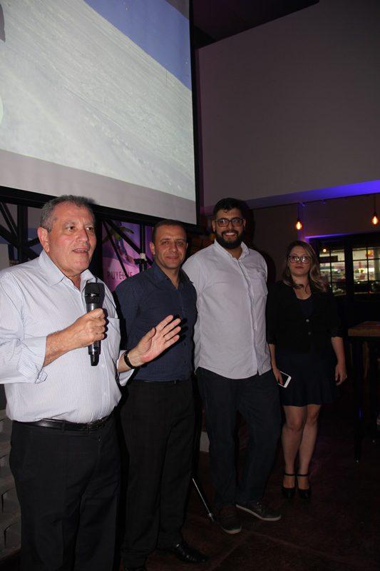 João e sua equipe: Isaías Pereira, Rafael de Castro e Fernanda Lages