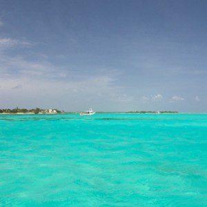 Dentro dos recifes de Little Cayman (Foto: divulgação)