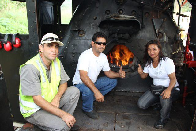 Time da máquina: Denis (o foguista), Fernando (o maquinista) e Madalena (a sinaleira)