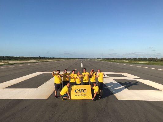 Equipe da CVC no Aeroporto de Jericoacoara (Foto: divulgação)