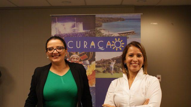 Janaína Araújo e Giselle Makinde, representantes de Curaçao no Brasil (Foto: Felipe Lima)