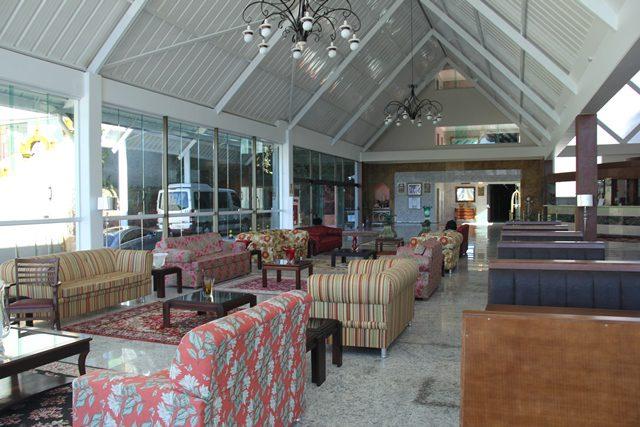 O lobby do hotel: funcionalidade decorada (Foto: DT)
