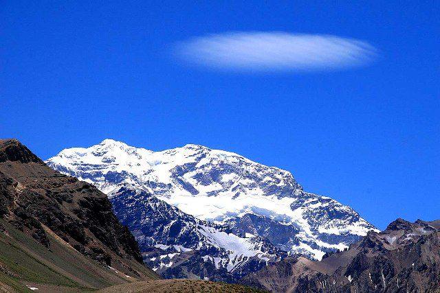 Aconcágua, com seus 6.962 metros de altura, é a mais alta montanha do Hemisfério Sul (Foto: viramundo e mundovirado)