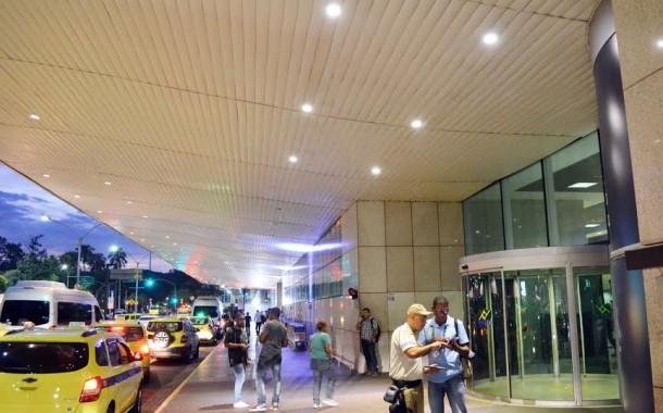 Santos Dumont implanta iluminação externa de LED
