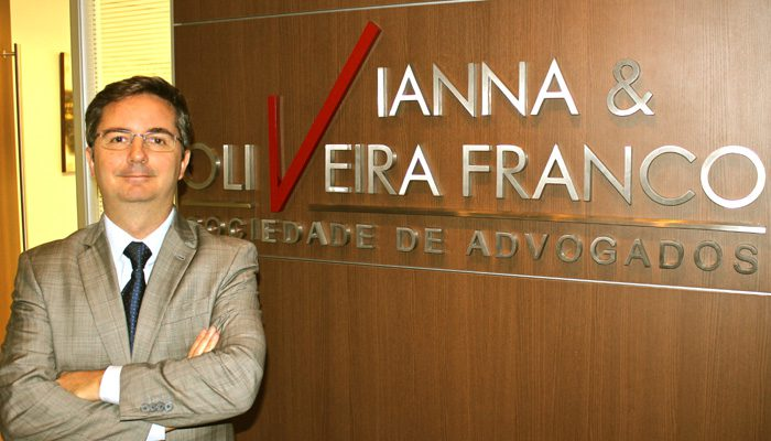 Advogado Marcelo Vianna sobre os passaportes: