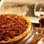 Pizzaria Paulino possui espaço encantador em Pinheiros
