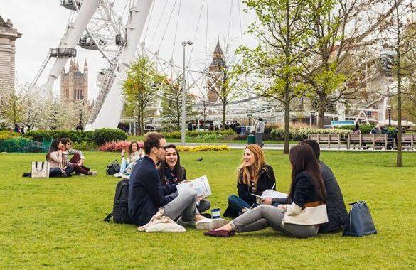 Ministério do Turismo oferece bolsas de estudos no Reino Unido