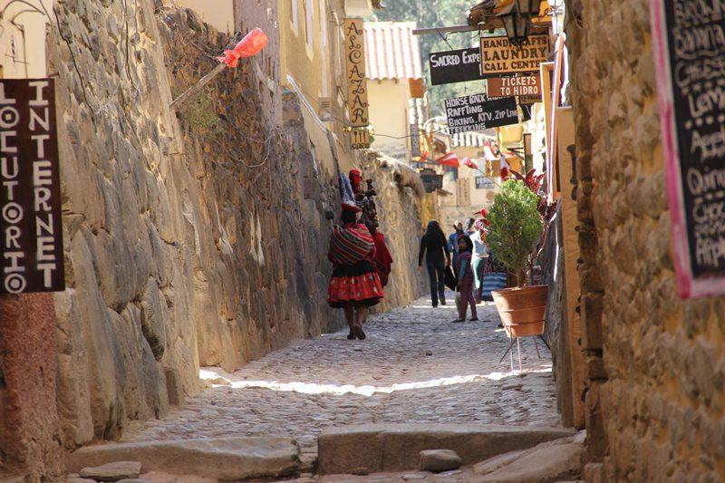 As ruas de Ollantaytambo mantém seu traçado original (Foto: Paulo Atzingen)