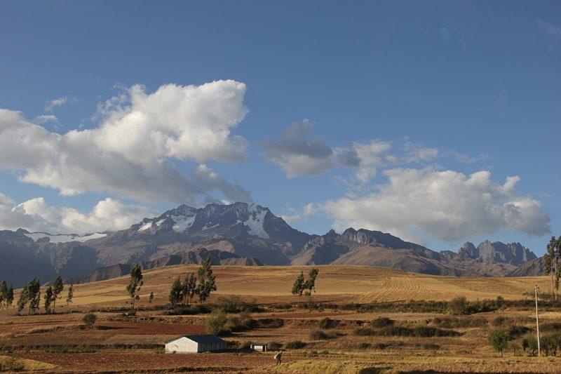 O Vale Sagrado tem cerca de 80 quilômetros de extensão, começa em Pisac e vai até Ollaytaitambo (Foto: Paulo Atzingen)